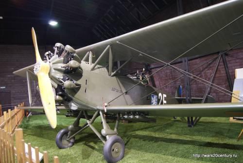 легкий разведчик-бомбардировщик Aero Ap-32