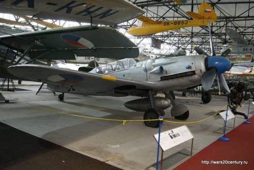 учебный истребитель Avia CS-199